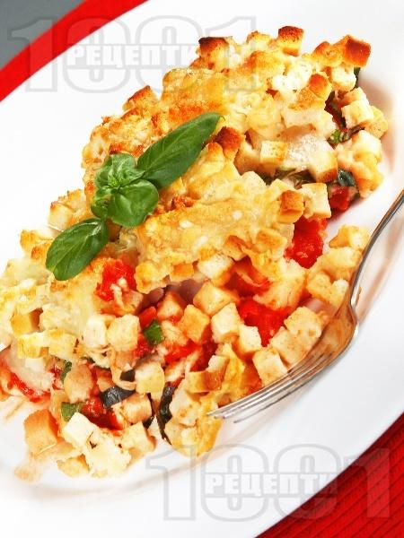 Печено пилешко филе със пармезан, моцарела, домати и крутони на фурна - снимка на рецептата